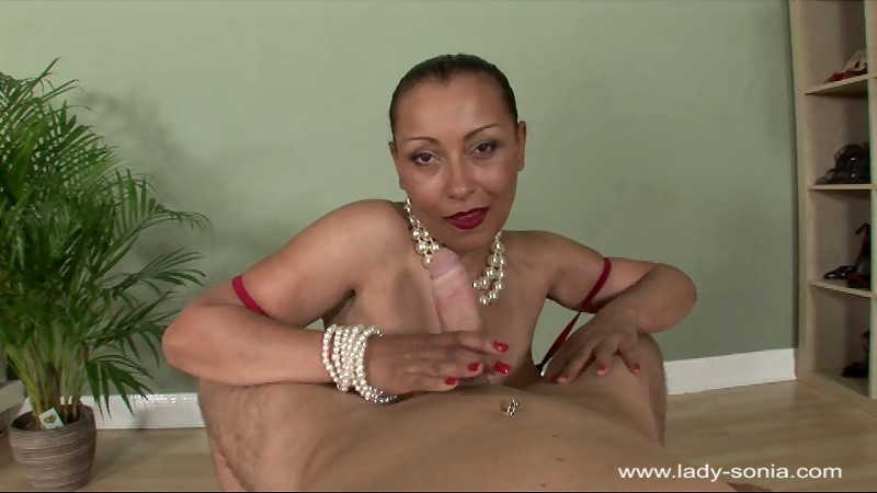 Tall, fit, Foot pose russian milf very active and